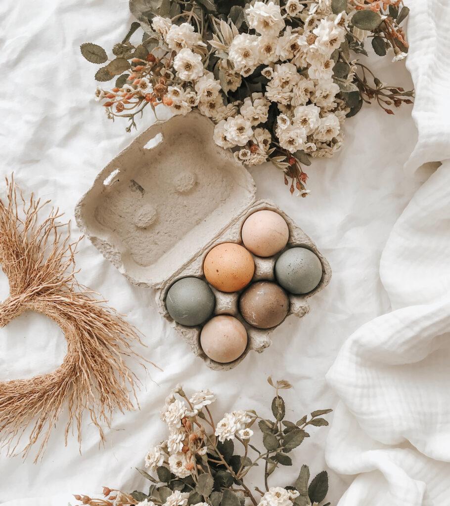 Colorare le uova pasquali